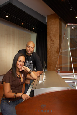 Alicia Keys at the piano
